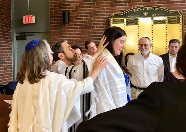Maayan Harel is ordained as a cantor at Hebrew College School of Jewish Music's 2019 cantorial ordination ceremony.