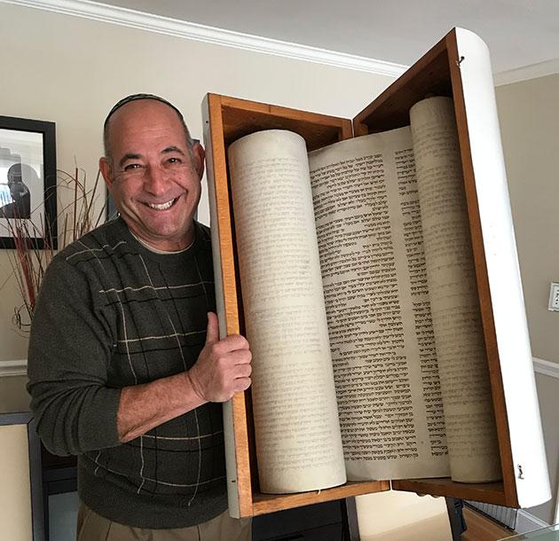 Rabbi Bernie Horowitz brings a lifetime of Yiddishkeit to Ner Tamid.