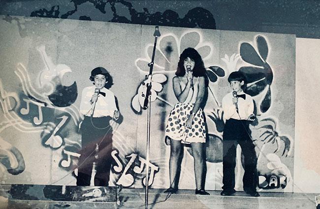 As children in Tel Aviv, Lazarov and Sadka were a popular tap dancing team.